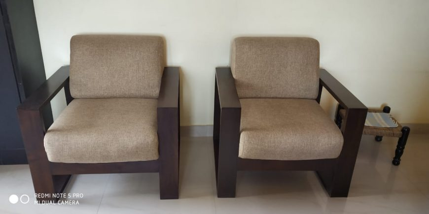 Single-Seater-Two-Sofa-Chairs